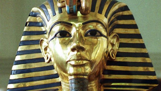 king tuts death Some argue that king tut's death wasn't necessarily  scan of king's tut's remains did not support the idea that he had been killed by a.