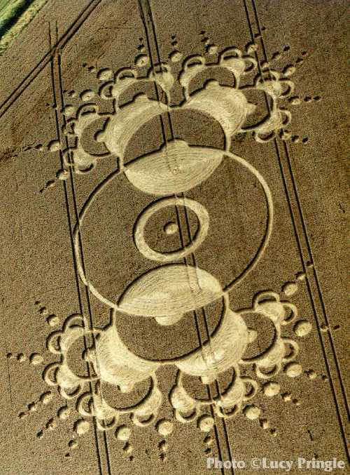 The most famous mysterious crop circles in the History ... |Chilbolton Crop Circle Explanation
